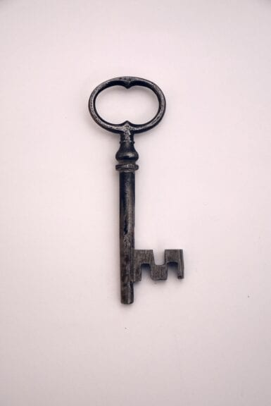 black and silver skeleton key